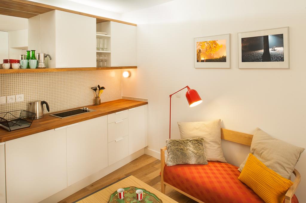 Studio d 39 orchampt l 39 esprit color ma ma architectes for Amenagement cuisine espace reduit