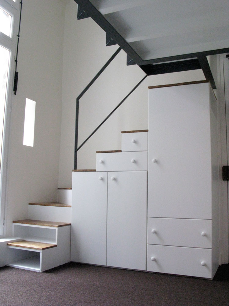 escalier avec rangement pour mezzanine id e inspirante pour la conception de la. Black Bedroom Furniture Sets. Home Design Ideas