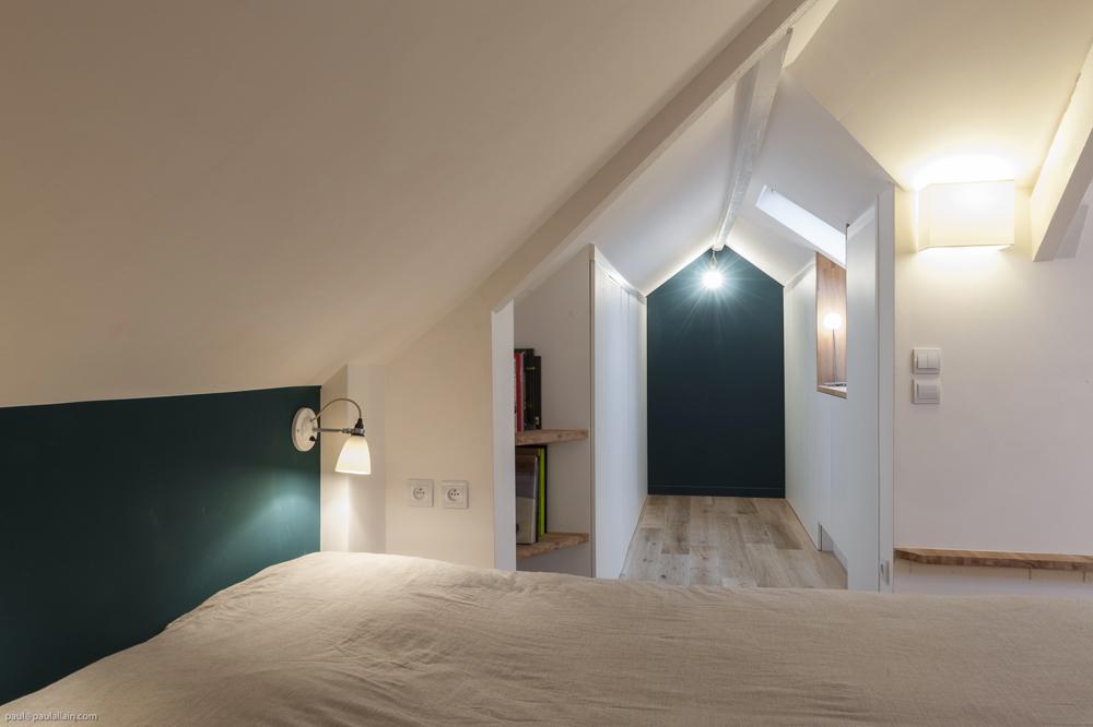 plan comble 40m2 cool petite cuisine sous les combles m optimiss with plan comble 40m2 good. Black Bedroom Furniture Sets. Home Design Ideas